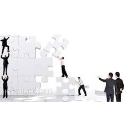 Lawyer counseling on business restructuring
